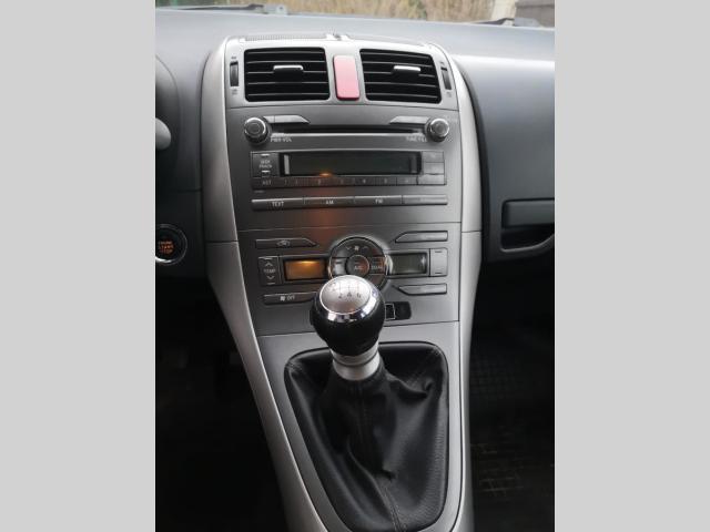 Toyota Auris 2,2 D-Cat