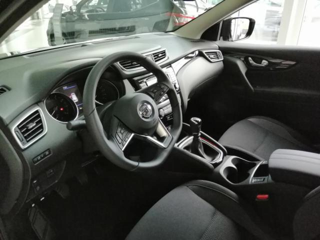 Nissan Qashqai 1,3 DIG-T 140 CZECH LINE